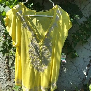 Inc international concepts petite yellow flowy top